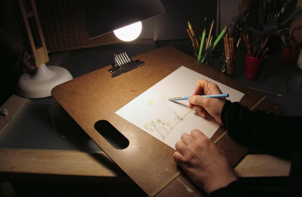 valentina_deluca_illustrator_working_atelier_fotor_fotor